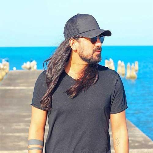 تک ترانه - دانلود آهنگ جديد Amir-Abbas-Golab دانلود آهنگ امیرعباس گلاب به نام دوست دارم